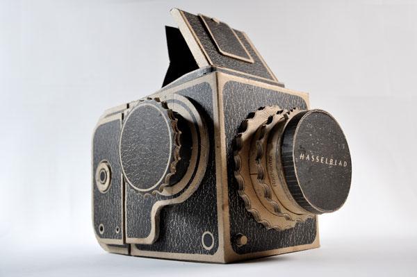 Kartonowy aparat fotograficzny