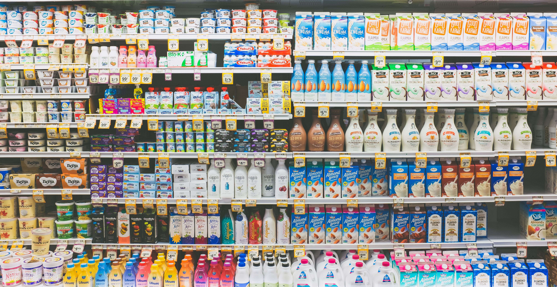 Półka w sklepie z napojami