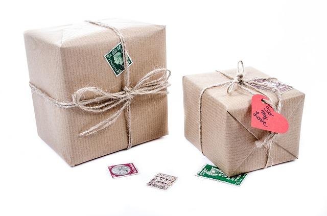 prezenty kartonowe